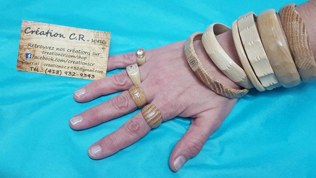 Bagues en bois et bracelet 15,00$ ch